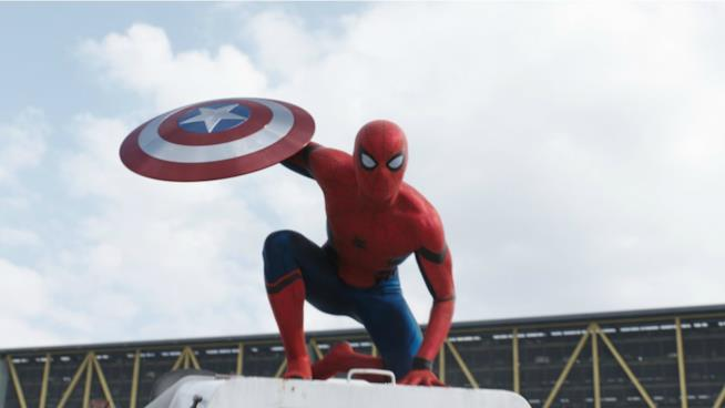 Tom Holland è il nuovo Spider-Man dell'Universo Cinematografico Marvel