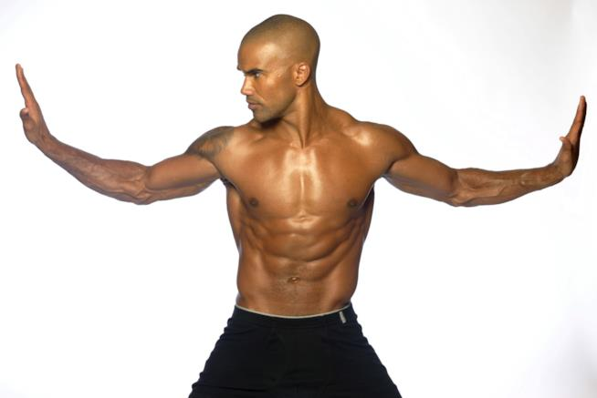 Shemar Moore mette in mostra i muscoli