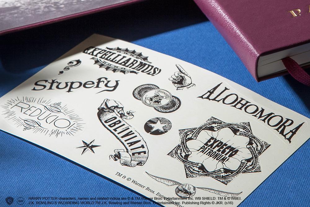 Gli stickers dell'edizione limitata Moleskine su Harry Potter