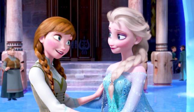 Anna ed Elsa in una scena di Frozen