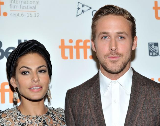 Primo piano di Eva Mendes e Ryan Gosling