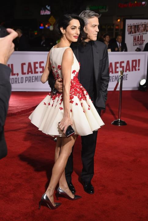George Clooney e Amal in coppia alla prima di Hail, Caesar! a Los Angeles