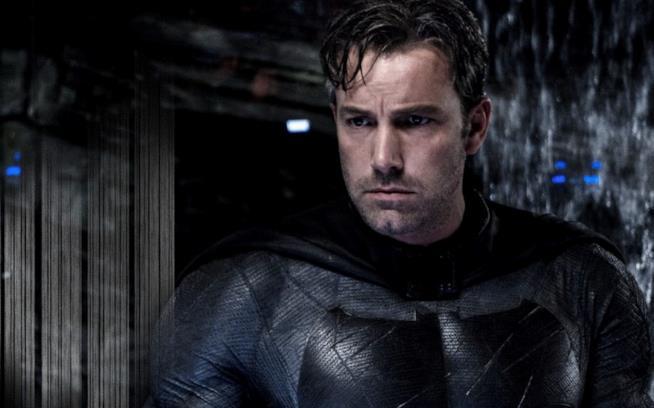 Un primo piano di Ben Affleck in versione Batman