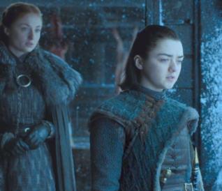 Sansa e Arya Stark in Game of Thrones 7
