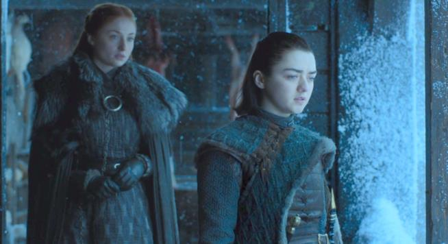 Sansa e Arya Stark in Game of Thrones 7