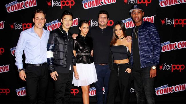 Il cast del film Power Rangers al Comic Con di New York