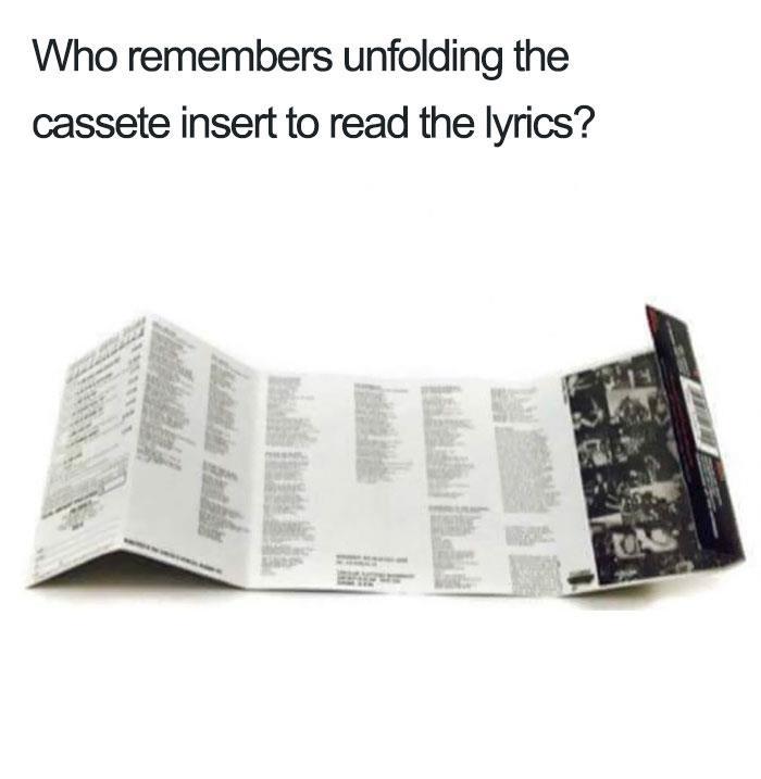Musicasetta con libretto contenente i testi delle canzoni