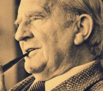 Lo scrittore e linguista J.R.R. Tolkien
