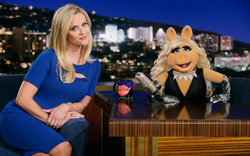 Reese Witherspoon è una delle guest star della nuova stagione de I Muppets