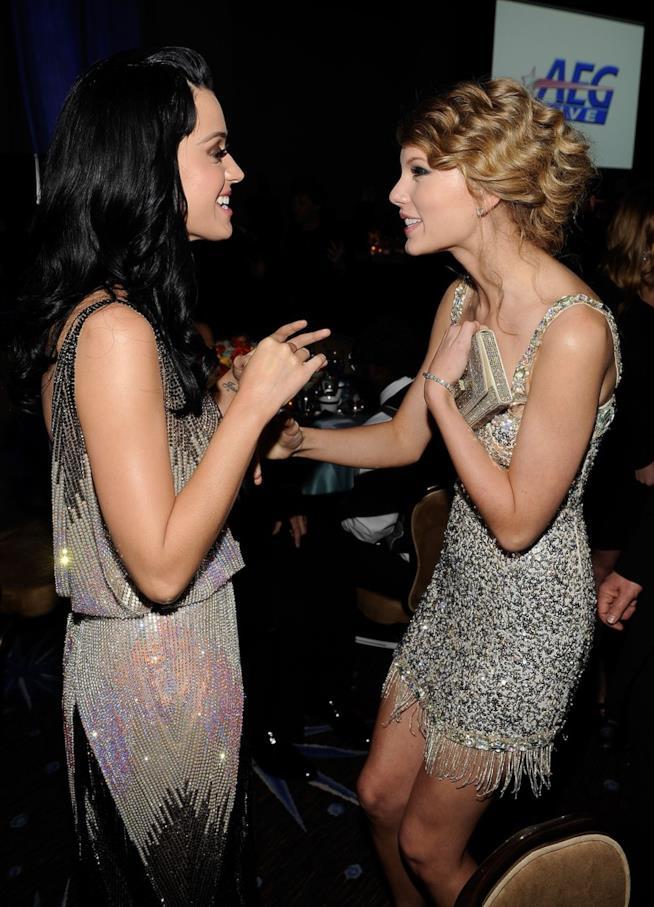 Primo piano di Taylor Swift e Katy Perry