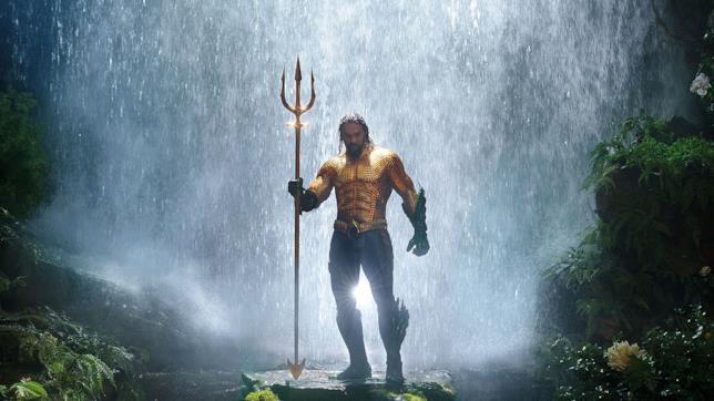 Jason Momoa è il supereroe DC Aquaman