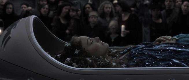 Il corpo di Padmé Amidala nella bara