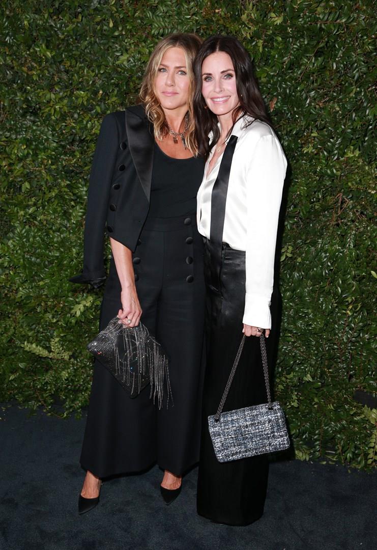 Jennifer e Courteney vesiste di nero sul red carpet