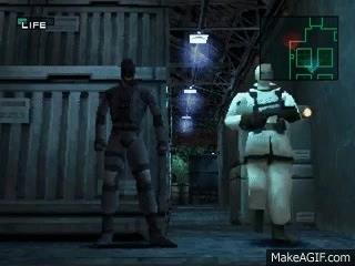 Un soldato riconosce Solid Snake e chiama i rinforzi