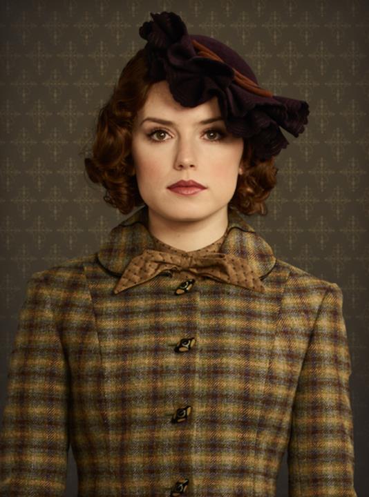 Daisy Ridley nel ruolo di Mary Debenham