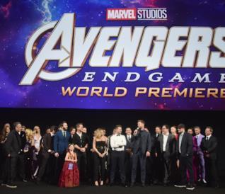 Avengers: Endgame, il cast alla prima mondiale... con le Gemme dell'Infinito [GALLERY]