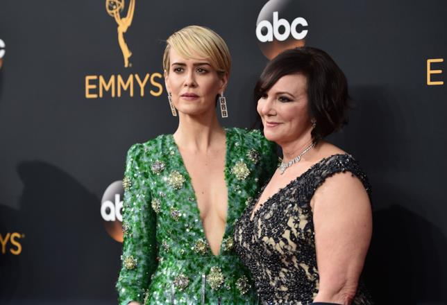 "Sarah Paulson e Marcia Clarke ""vincitrici"" agli Emmy 2016"