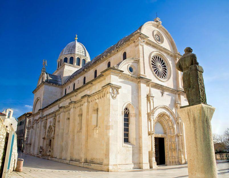 La Cattedrale di San Giacomo è la Casa del Bianco e del Nero