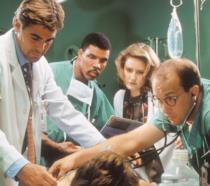E.R.: il cast della serie in una scena