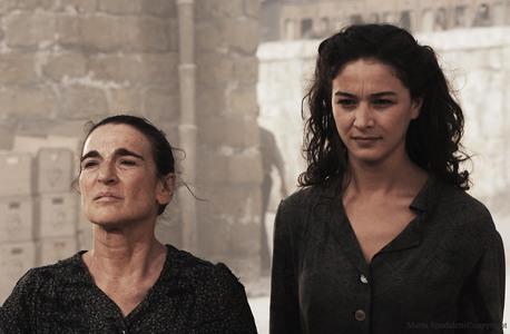 Una scena di Baaria con Lina Sastri e Nicole Grimaudo