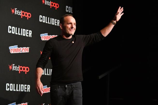 Clark Gregg saluta i suoi fan al Comic Con di New York
