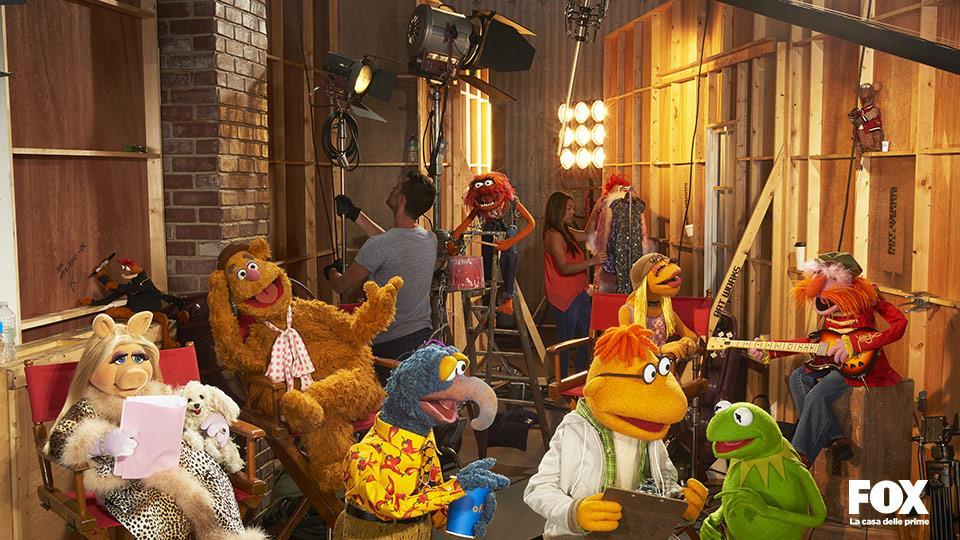 La serie è girata con uno stile mockumentary e racconta lil dietro le quinte di un talk show fittizio.