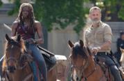 Danai Gurira e Andrew Lincoln sul set di The Walking Dead 9