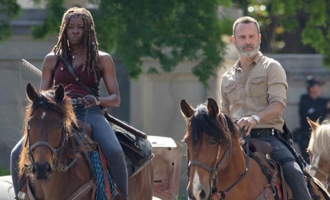 Danai Gurira e Andrew Lincoln sul set di The Walking Dead 9
