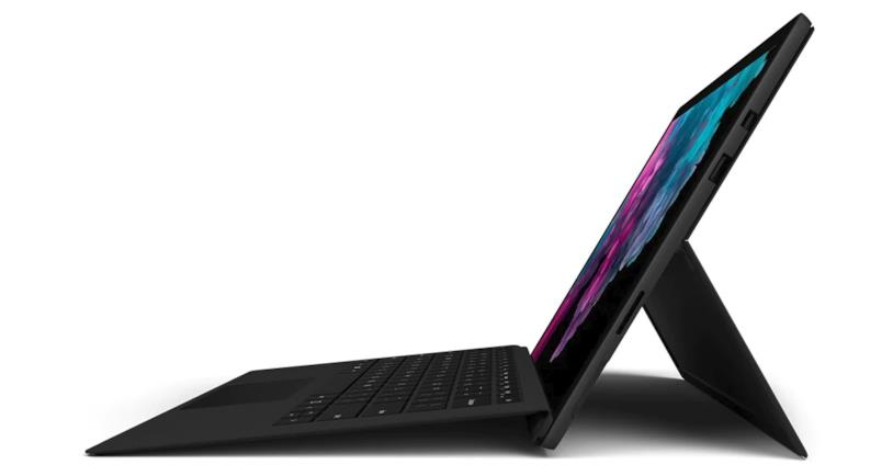 Il Microsoft Surface Pro 6 in matte black