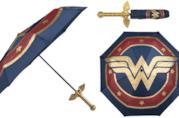 La spada di Wonder Woman diventa un ombrello
