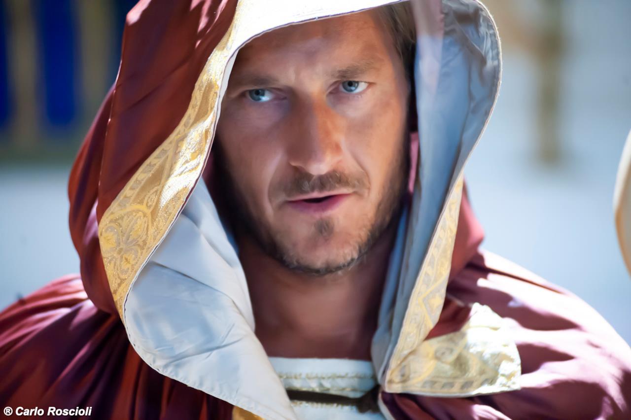 San Pupone da Porta Metronia, interpretato da Francesco Totti nello spot di Romolo + Giuly 2