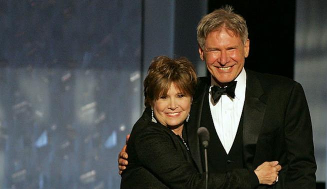 Primo piano di Carrie Fisher e Harrison Ford