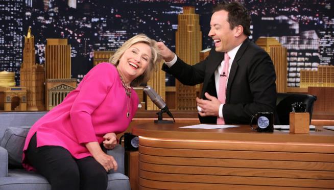 Il 19 settembre il Tonight Show di Jimmy Fallon su FOX con Hillary Clinton e Miley Cyrus