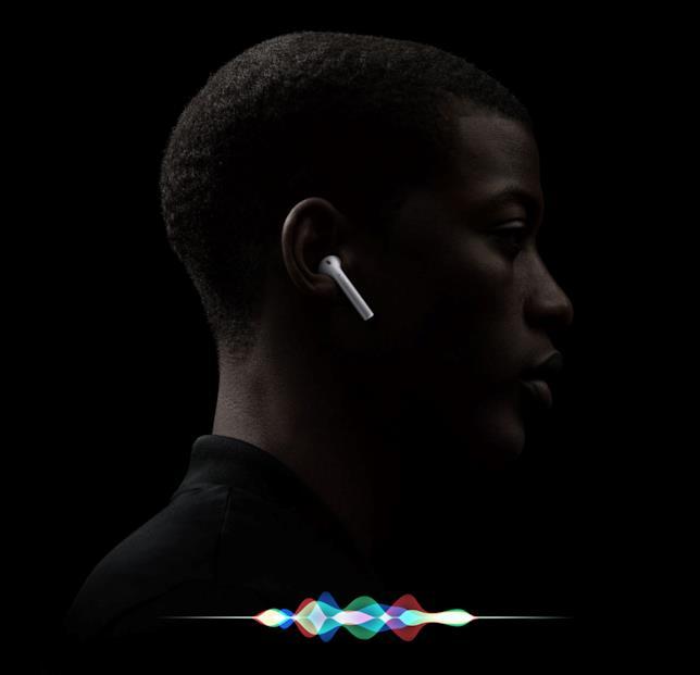 Immagine promozionale dei nuovi AirPods di Apple