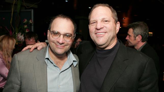 Bob e Harvey Weinstein abbracciati