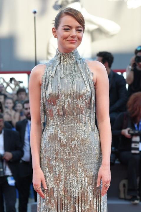 Emma Stone sul red carpet di Venezia 73, serata di apertura.