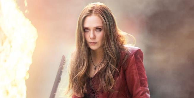 Elizabeth Olsen è Scarlet Witch in una scena di Captain America: Civil War