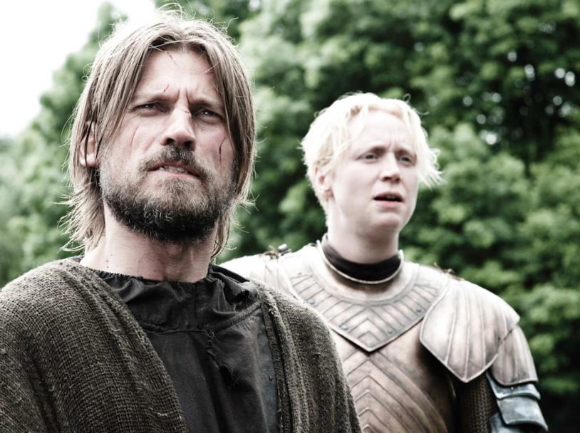 Una scena da Game of Thrones con Jaime e lady Brienne