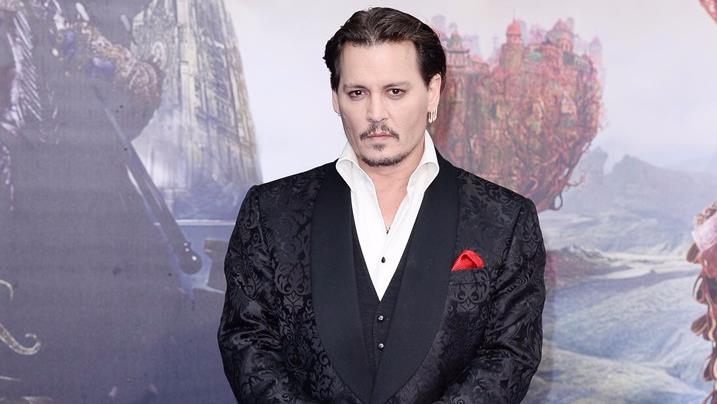 Johnny Depp in posa