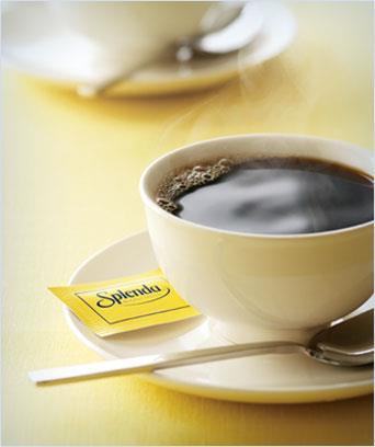 Una tazza di caffè con Splenda dolcificante