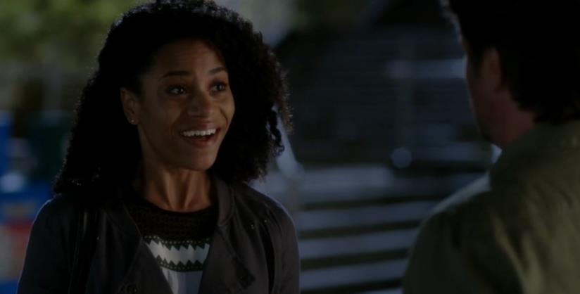Maggie svela a Riggs il suo interesse e lui le dà picche