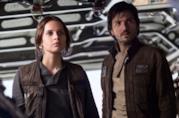 Felicity Jones e Diego Luna in Rogue One