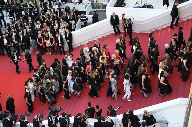 Le donne in marcia sul tappeto rosso di Cannes 71