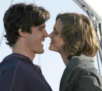 Sully e Branna in una scena d'amore della stagione 2 di Bones