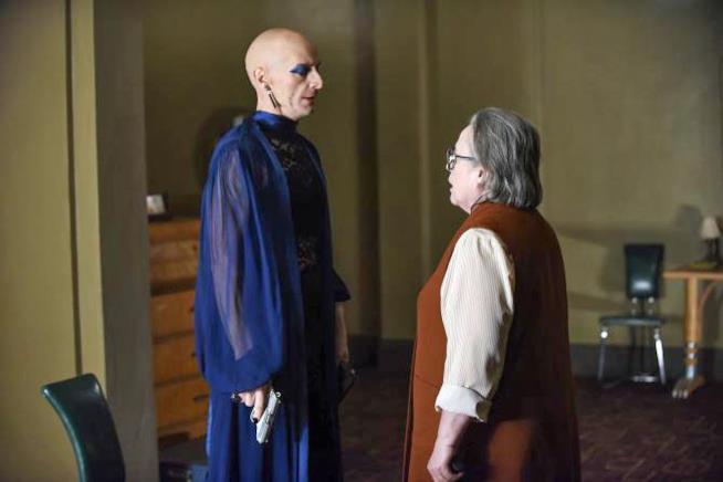American Horror Story: Hotel - Room Service: Liz e Iris