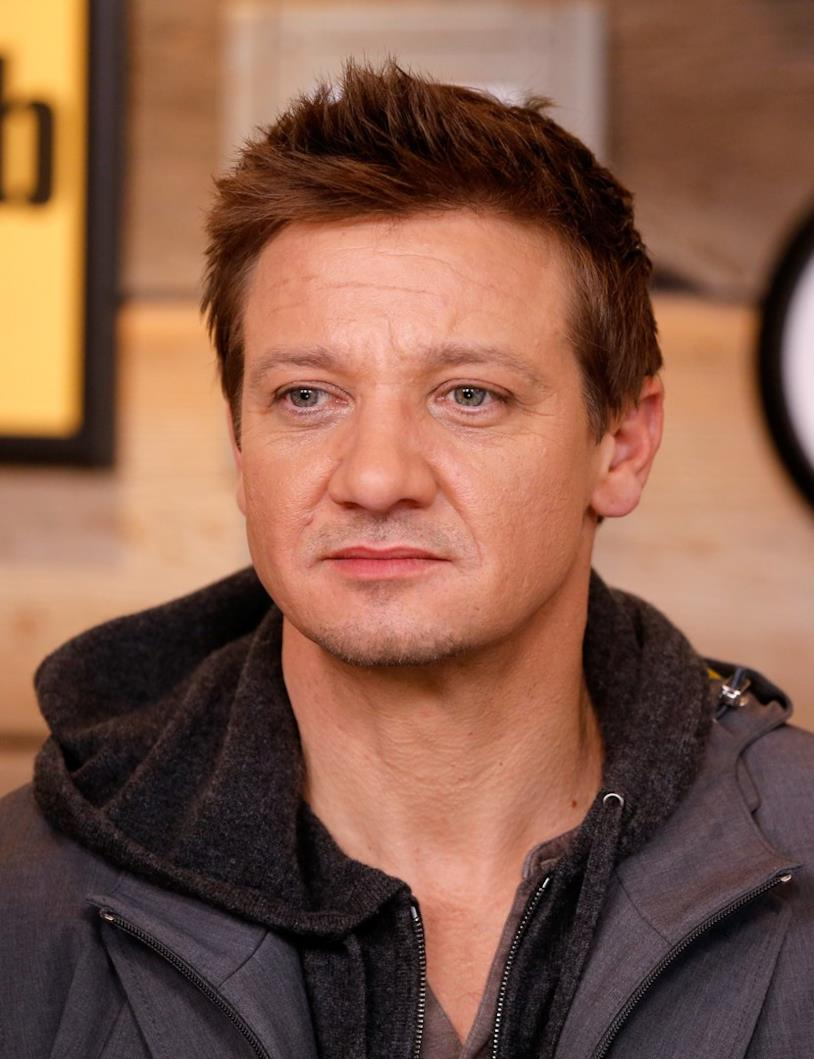 Jeremy Renner in primo piano