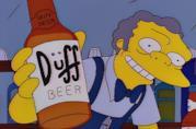 Boe offre una Duff, birra marchio di fabbrica dei Simpson