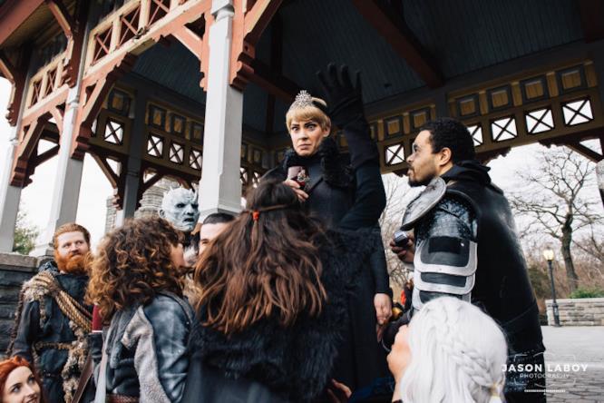 La sorpresa della cosplayer di Cersei alla proposta di matrimonio