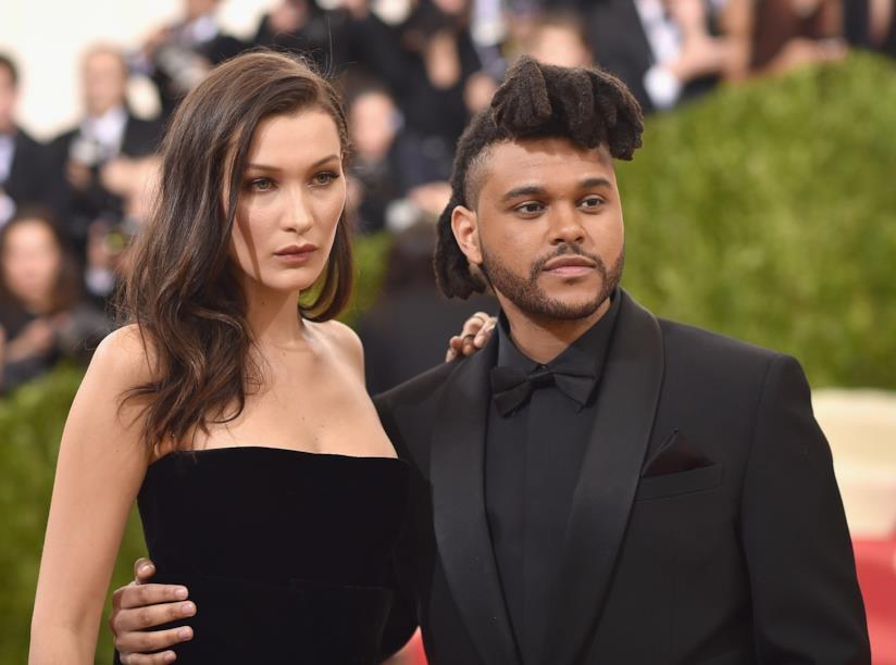 Primo piano di Bella Hadid e The Weeknd