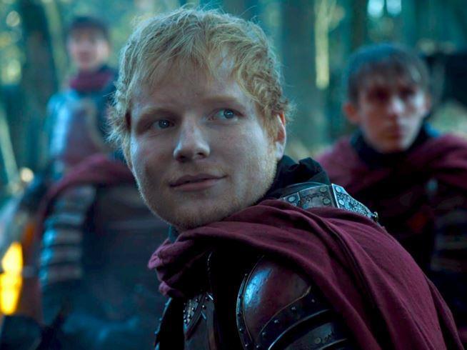 Primo piano del cantante Ed Sheeran in un episodio di Game of Thrones 7
